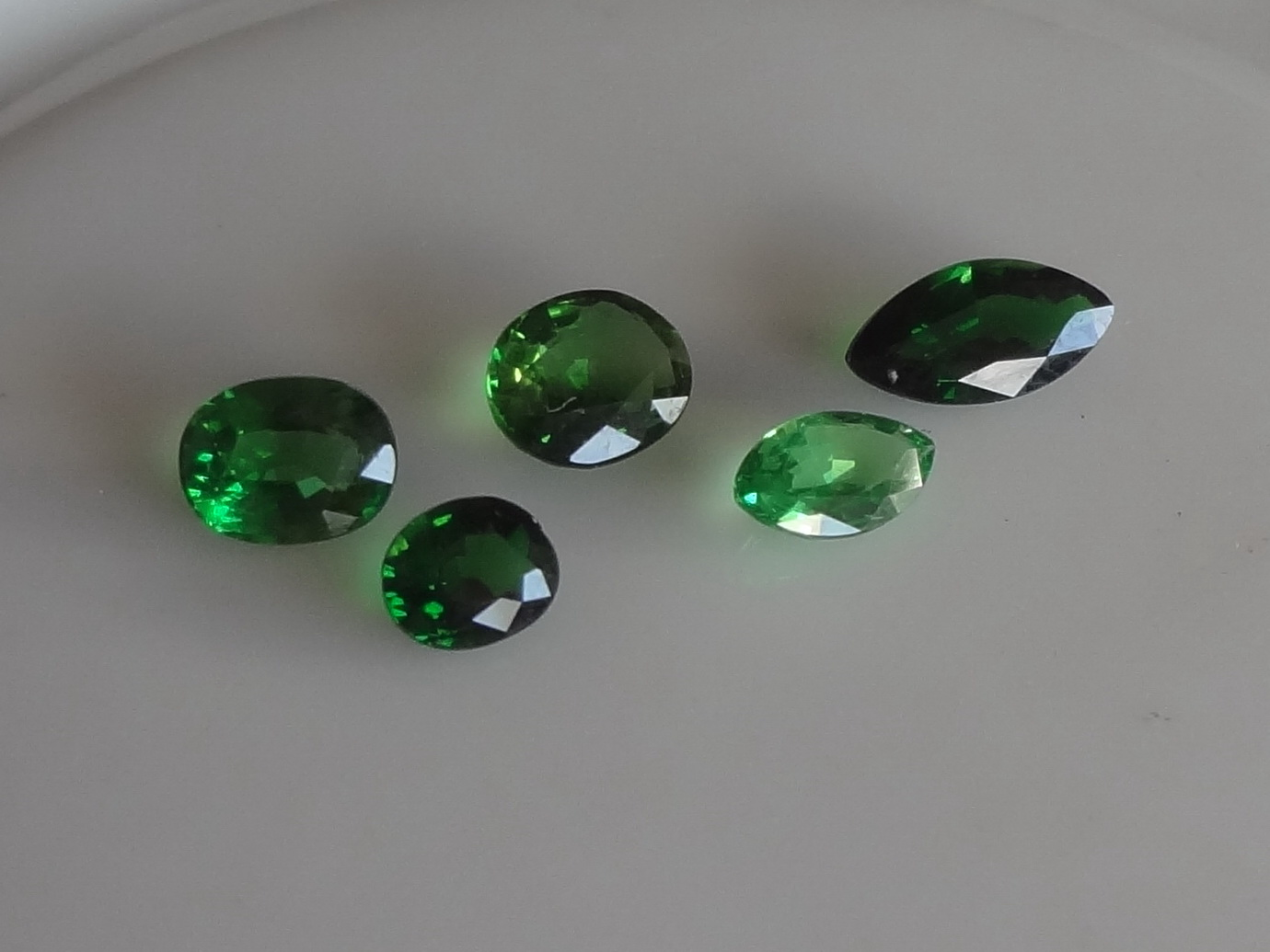 Vivid Green Wholesale of Tsavorite Green Garnet