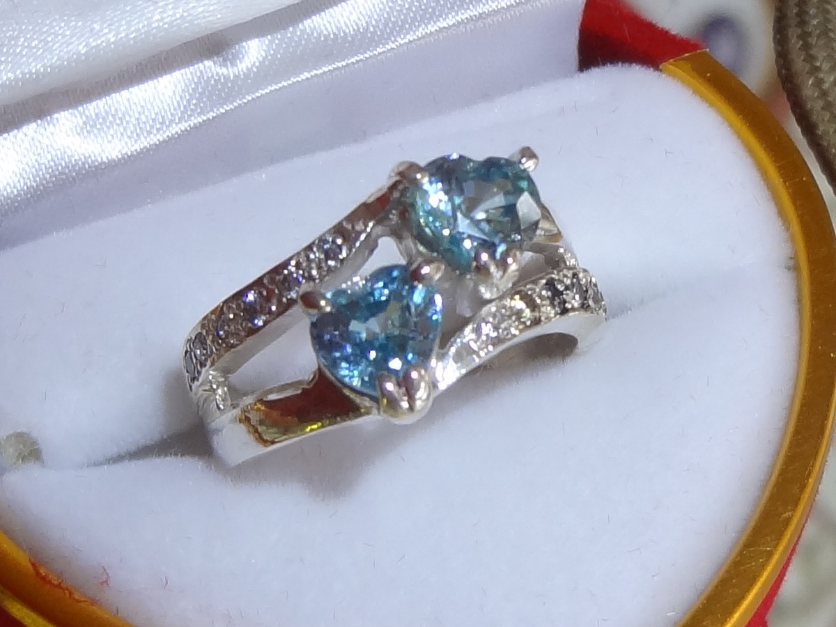 Double heart shaped blue zircon silver ring from Cambodia